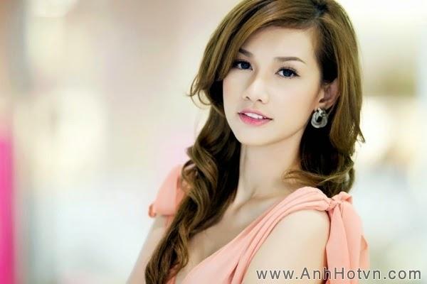 Hot girl Quỳnh Chi một vẻ đẹp rạng rỡ
