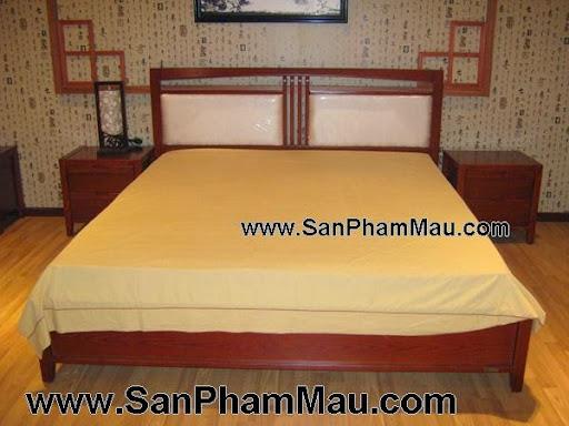 Giường ngủ gỗ xoan đào tự nhiên