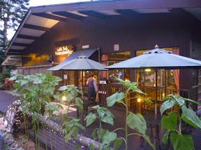 冠 西湖洋食屋「HANASHINOBU」様 外観