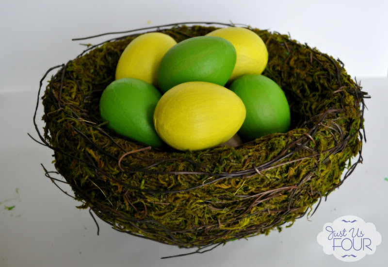 Painted Paper Mache Eggs #Eastercrafts #eggs #painting