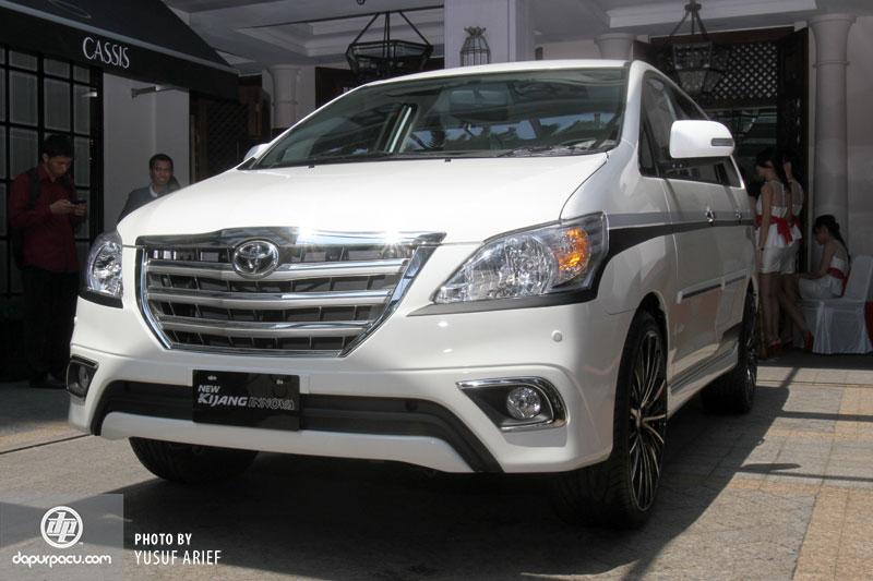 Toyota Innova 2014 mới lộ diện ngoại thất và nội thất.