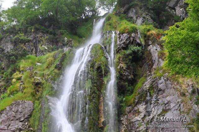Los Robles y Cascada del Tabayón del Mongayu
