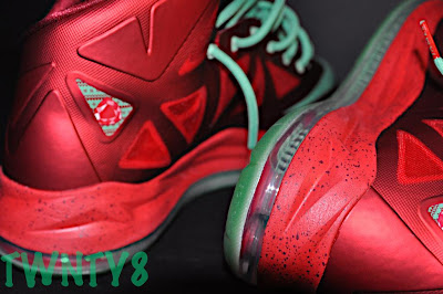 nike lebron 10 gr christmas ruby 3 10 Detailed Look at the Nike LeBron X Christmas / Ruby Edition