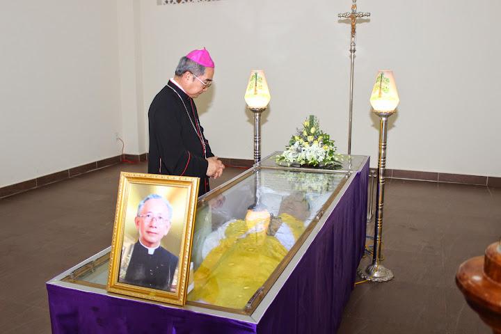 Hình ảnh thánh lễ cầu nguyện cho Cha  Cố Alexis Nguyễn Thạch Ngọc tại Tòa Giám Mục Nha Trang