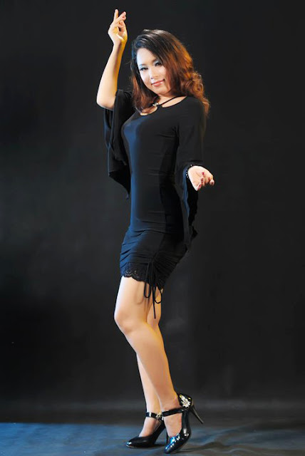 Myanmar Actress and Traditional Dancer : Darli Linn in Sexy Black ...