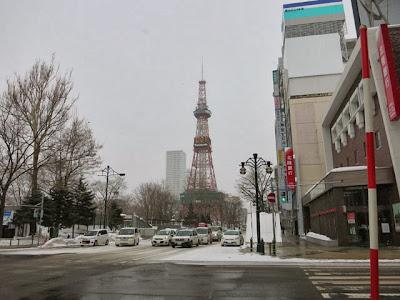 札幌市内大通付近の交差点