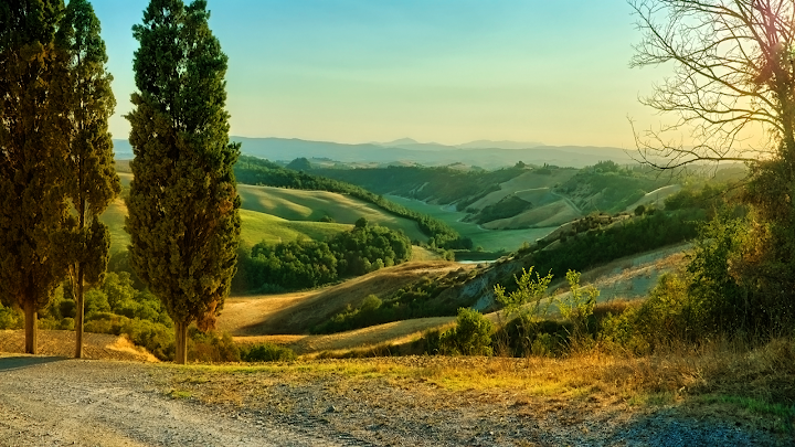 Tuscan Spring wallpaper