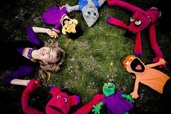 marianne and puppets