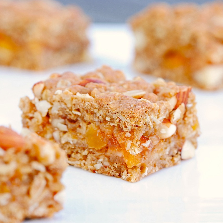 Apricot Almond Oat Bars | Caucasian Curry