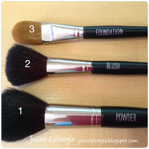 julie's creative lifestyle makeup monday  makeup brushes