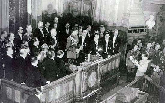 Activitatea politica a regelui Mihai