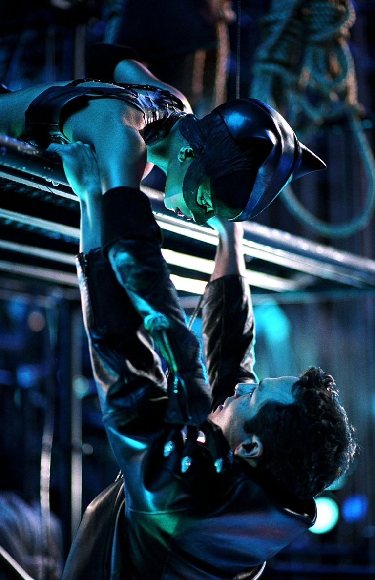 Halle Berry: Halle Berry 28 Beautiful photos from Catwoman