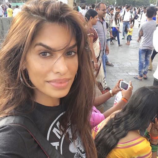 rayna tharani hot