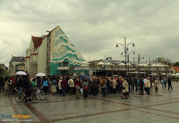 spacer iBedeker po Sopocie - przed placem zdrojowym