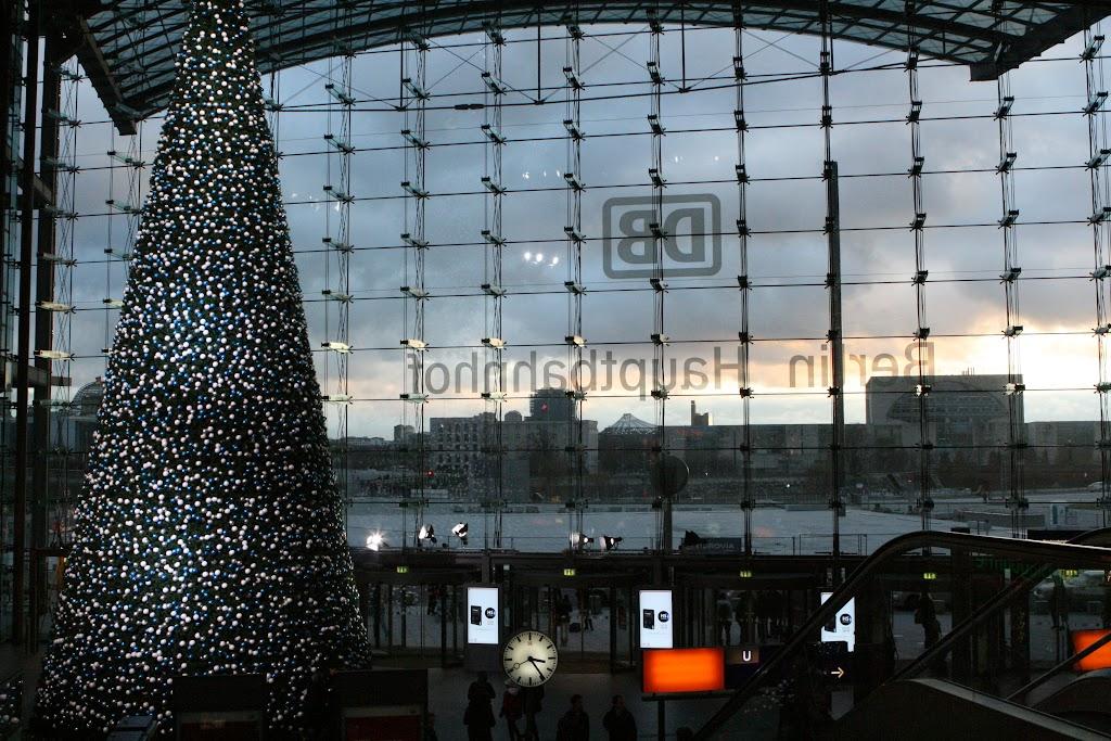 Weihnachtliche Stimmung am Hauptbahnhof.