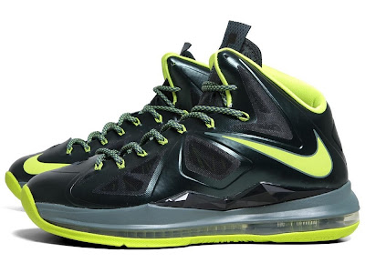 nike lebron 10 gr atomic dunkman 7 02 Detailed Look at Upcoming Nike LeBron X Atomic Dunkman
