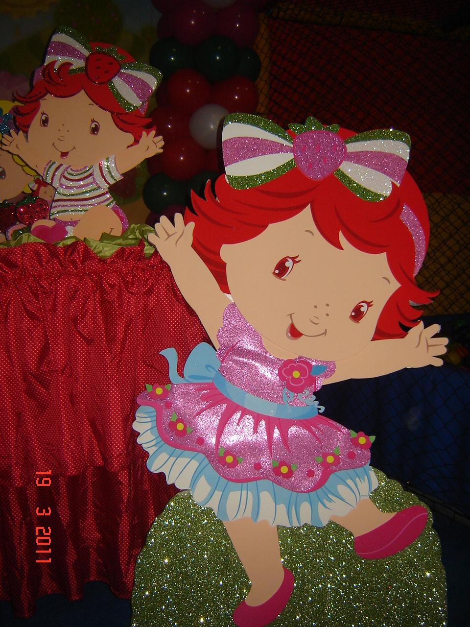 decoracao festa xuxinha:Festas Boli Boli: DECORAÇÃO MORANGUINHO BABY