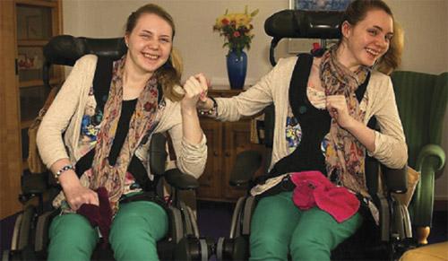 Kembar bercakap selepas 4 tahun 'bisu'