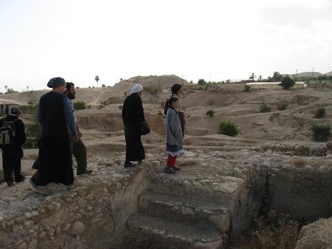 מסיירים בארמונות החשמונאים ביריחו