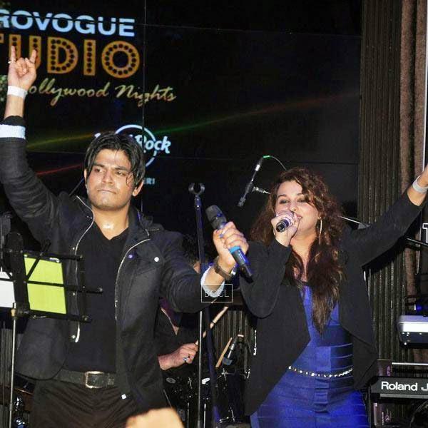 Ankit Tiwari performs during Ankit Tiwari's live concert, held at Hard Rock Cafe, on July 11, 2014.(Pic: Viral Bhayani)