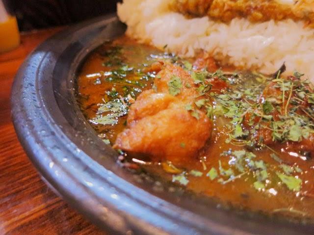 香草とチキンがゴロゴロ入ったインド風カレー