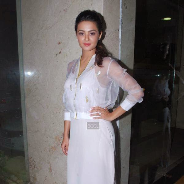 Surveen Chawla during the promotion of film Hate Story 2, in Mumbai.(Pic: Viral Bhayani)