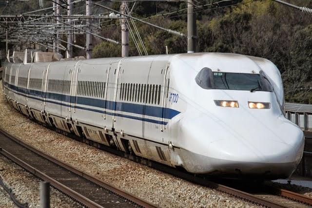 Tàu siêu tốc Shinkansen N700 thực tế tại Nhật Bản