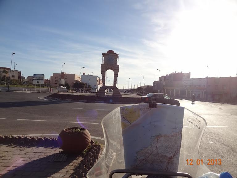 Marrocos e Mauritãnia a Queimar Pneu e Gasolina - Página 2 DSC05505