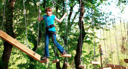 Каждый, вошедший в веревочный парк, имеет возможность почувствовать себя  альпинистом, скалолазом или просто ловким человеком. d0fed61959c