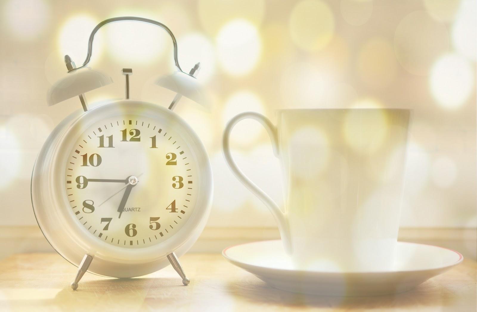 alarm-clock-2132264_1920.jpg