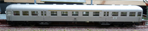 Marklin 26543: Buurtverkeersrijtuig ABnb 703 Silberling, 1ste en 2de klasse