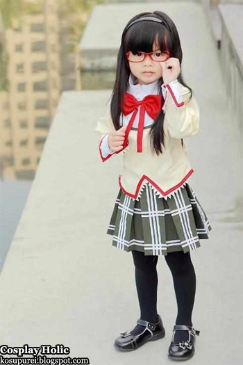 mahou shoujo madoka magica cosplay - akemi homura 2
