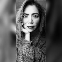 Karina Estrada Photo 28