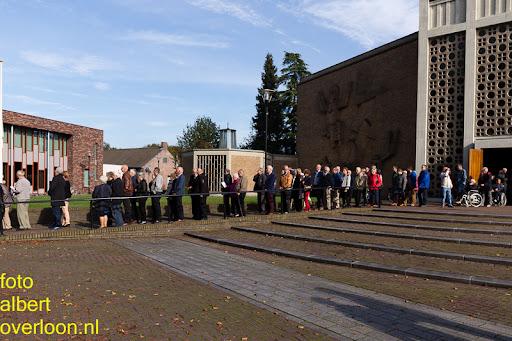 herdenkingsdienst  en een stille tocht naar het Engelse kerkhof 12-10-2014 (56).jpg