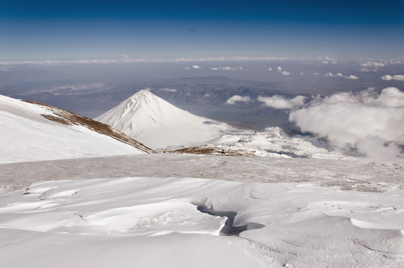 Varful Araratul mic si peisaj de pe cel ma inalt punct al Turciei