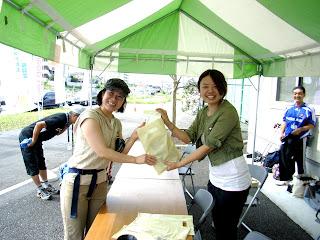 マルハチ町田店様のショップ新装オープン記念イベントにてノルディックウォーキング体験会を開催