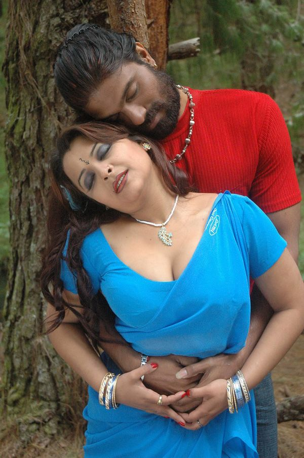 Thappu Tamil Movie Spicy Hot Pics Photo Stills-2010
