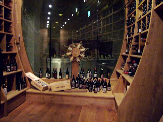 Bedega de los vinos del nuevo mundo en el Palais Coburg