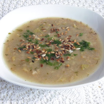 Zupa z kapustą włoską i kaszą jęczmienną - Czytaj więcej »