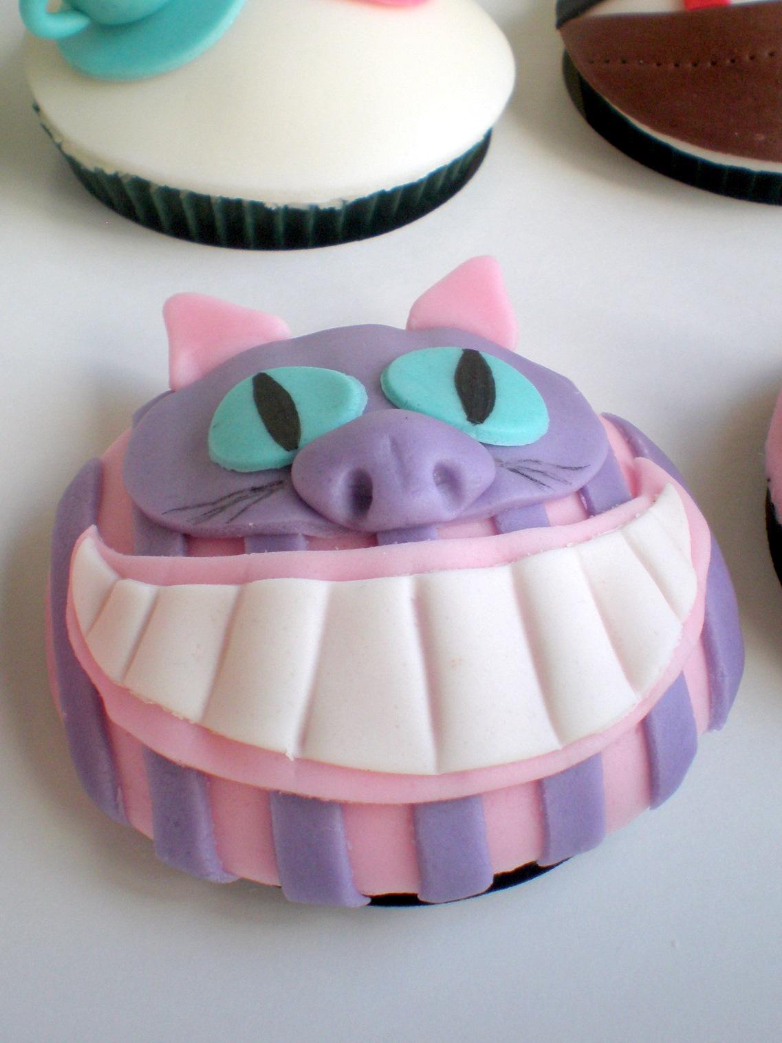 Sugar Siren Cakes Mackay Alice In Wonderland Cupcakes
