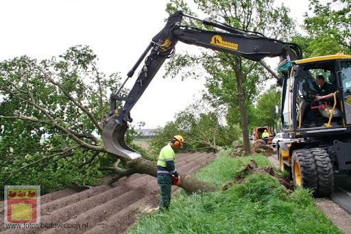 Noodweer zorgt voor ravage in Overloon 10-05-2012 (64).JPG