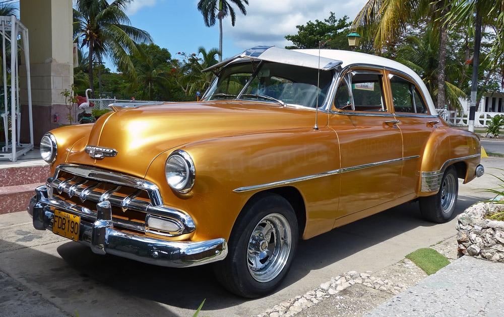 1952 chevrolet styleline deluxe 4 door sedan cubanclassics for 1952 chevy 4 door