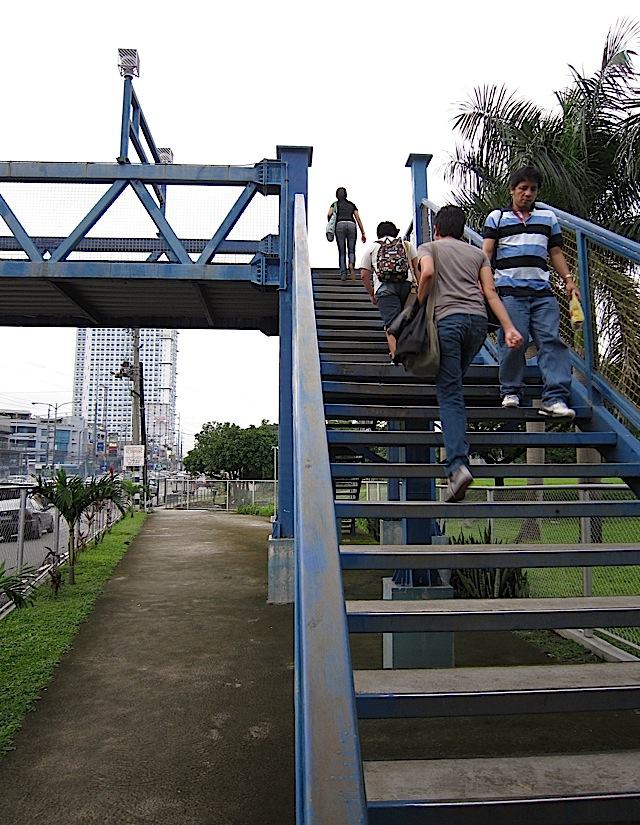 footbridge between Miriam College and Ateneo de Manila University