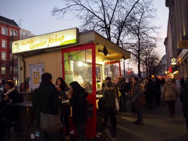 kebab kioski, ruoka koju, berlin, berliini, kreuzberg,Dürüm, mehringdamm, kebab, kebap, kepab, doner, döner, ruoka, food, durum,
