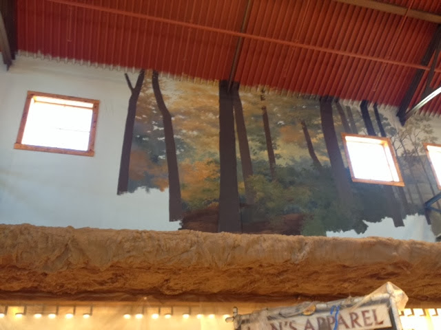 About Bass Pro Shops Little Rock As soon as you enter our lobby, look up! Hand-painted murals from renowned artists depict scenes from our lakes and parks that are all part of the great Arkansas agrariantraps.mlon: 1 Bass Pro Dr, Little Rock, , AR.