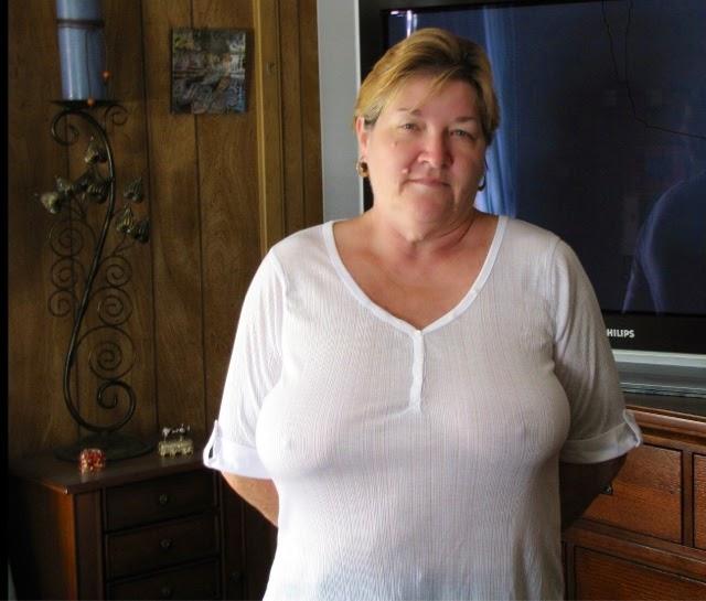 Без лифчика толстые женщины фото