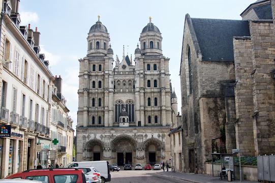 Дижон достопримечательности - Cathedrale St-Benigne
