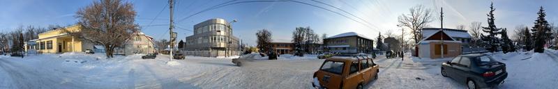 центр селища Борова у неділю взимку
