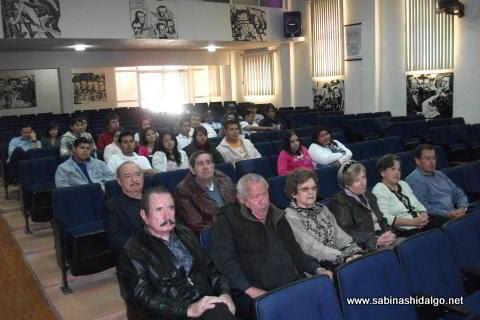 Asistentes a la sesión del Consejo de la Historia y Cultura