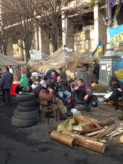 Захисники Майдану на перепочинку